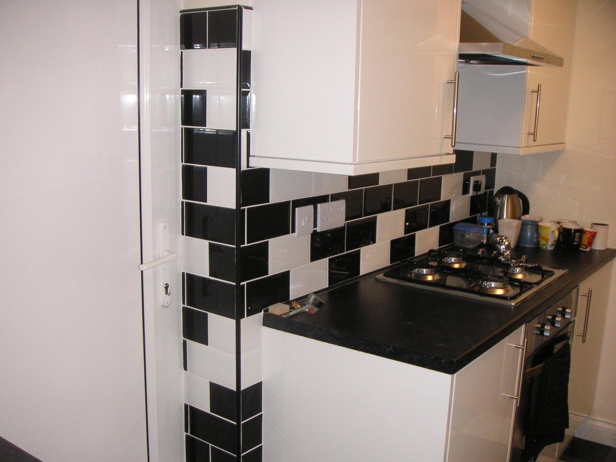 Tiling – kitchen & floor tiling banner 6